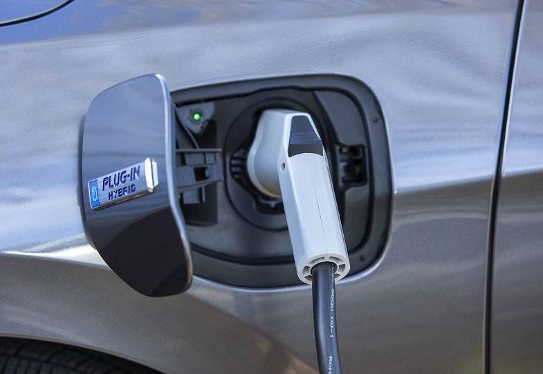 S Of Hybrid Cars Skyrocket 98 But Demand Fully Electric Units Keeps Downward