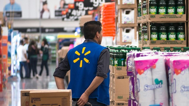 Walmart hires more than 7,000 people in Mexico and Central America due to COVID-19