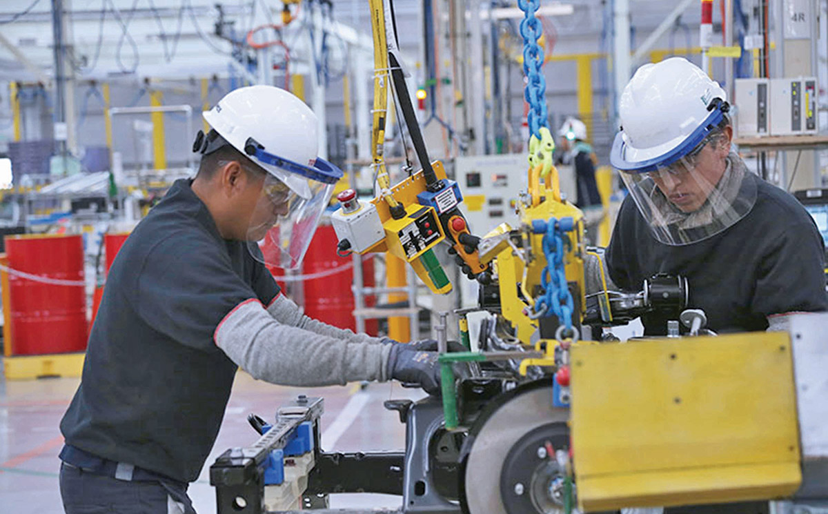 Mexican employed personnel in the manufacturing industry fell 3.71% -  MEXICONOW