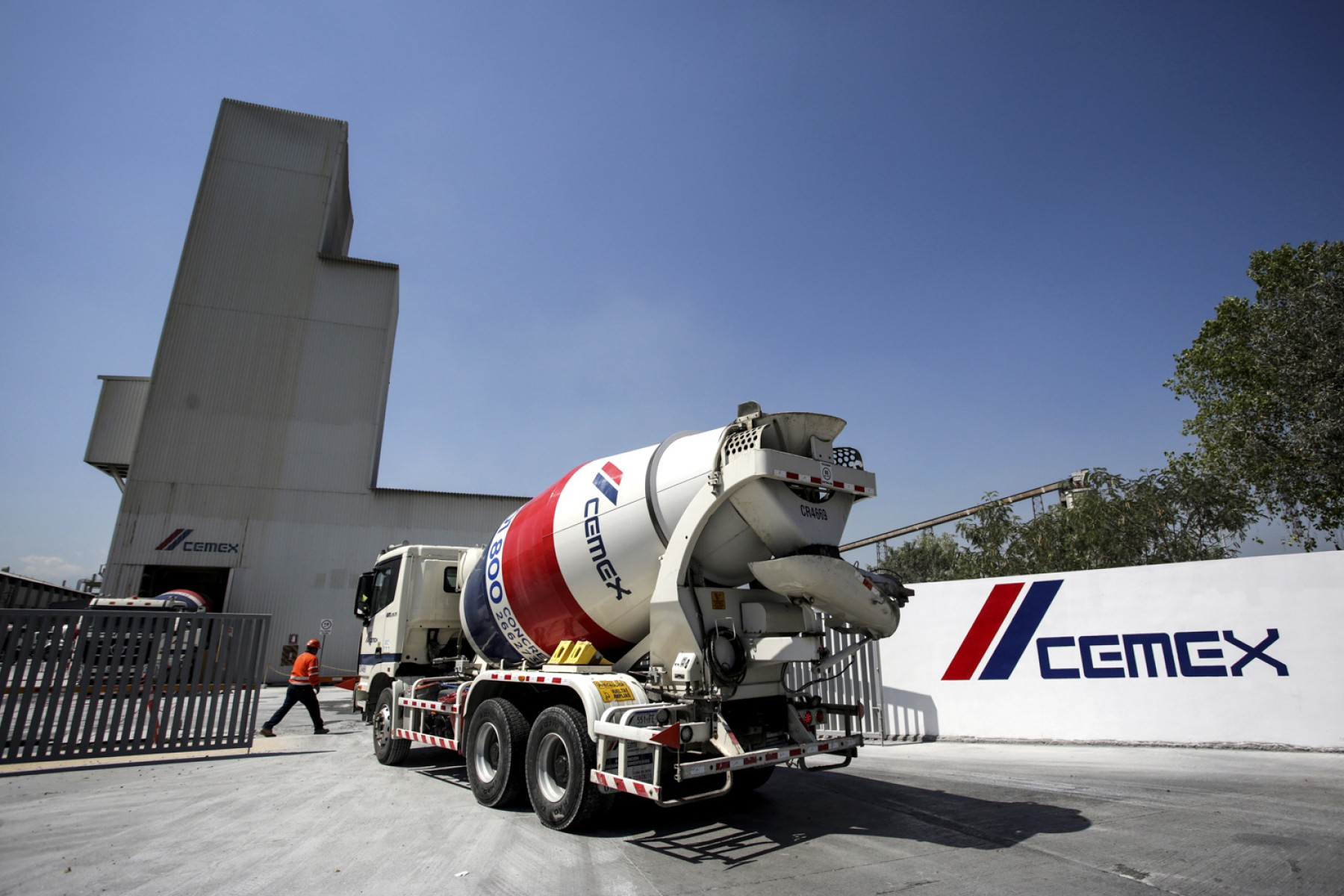 CEMEX implements technology to reduce carbon emissions